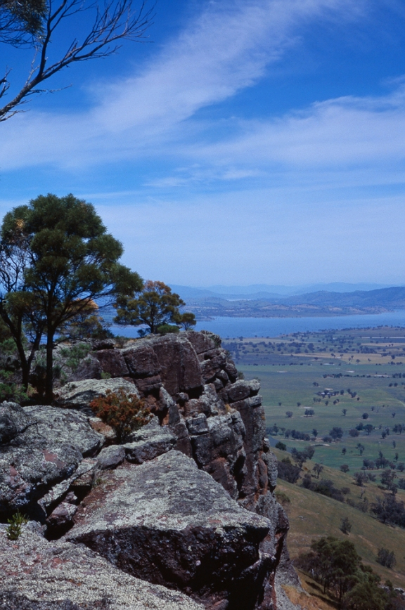 Sandstone escarpment of Table Mountain, with the Murray Valley below